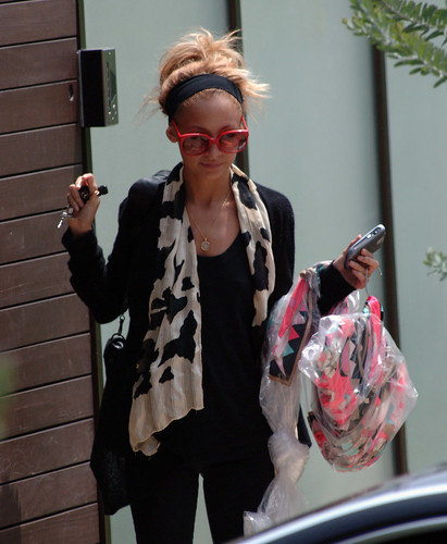 Nicole Richie Skinny. Nicole Richie Getting Scary