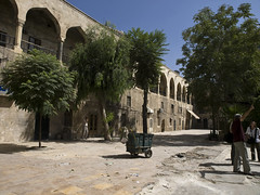 Aleppo # 35 #   (schreibtnix on' n off) Tags: travelling reisen citadel syria aleppo  syrien zitadelle neareast naherosten unescoweltkulturerbe historischealtstadt unescoworlheritage historiccitycenter olympuse3