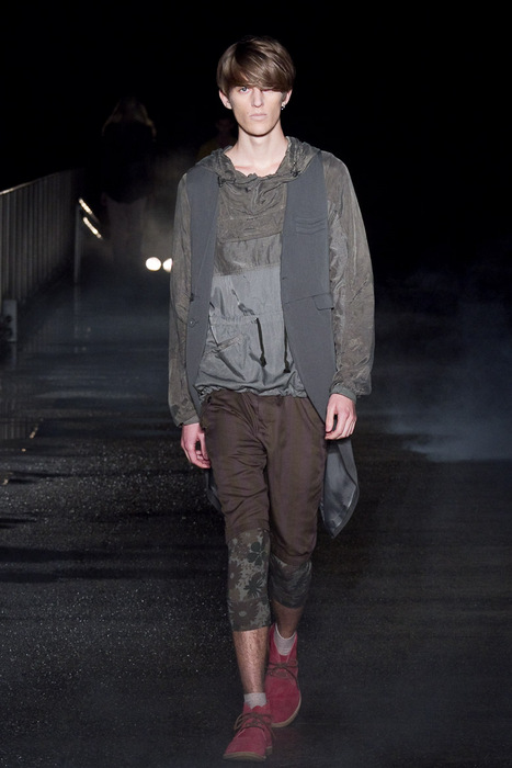 Gabriel Gronvik3084_SS11_Tokyo_Davit MEURSAULT(Fashionsnap)