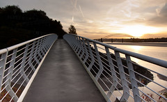 England - Cheshire - Widnes - Silver Jubilee Bridge - 28th October 2010 -29.jpg (Redstone Hill) Tags: england mersey widnes halton rivermersey silverjubileebridge runcornwidnesbridge