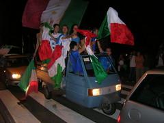Piaggio overloaded (stijnbulckaen) Tags: italy del football italia vespa soccer voetbal itali campione mondo kampioen