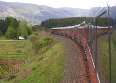 Highland Chieftain View (Thrash Merchant) Tags: railroad reflection train canon scotland highlands tracks rail trains perth railways eos350d inverness gner hst railtrack highspeedtrain 43116 intercity125 ic125 greatnortheasternrailway dalwhinie highlandchieftain druimuachdarpass theblackdykeband
