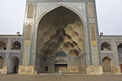 Iran_192_18-12-06 (Kelly Cheng) Tags: architecture persian iran mosque getty esfahan isfahan iwan jamehmosque masjedejameh gettysale 91614076 pickbykc gi0911