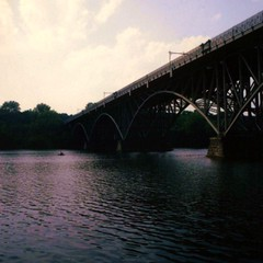 Schuylkill River. polaroid (PHOTO/arts Magazine) Tags: bridge 6x6 philadelphia mediumformat river polaroid hasselblad crew rowing fujifilm boathouserow schuylkillriver 80mm kellydrive 100iso sculling strawberrymansion fairmontpark strawberrymansionbridge hasselroid philaroid