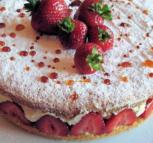 strawberry cream cake 2