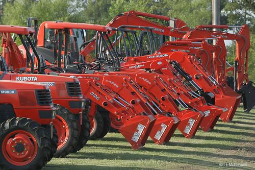 Kubota Tractors on Display (IMG 6256a)