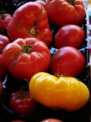 Tomatoes 2 (mariahj482) Tags: foods farmers market tomatoes olympia heirloomtomato