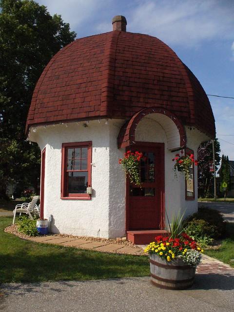 Mushroom House, Dassel MN