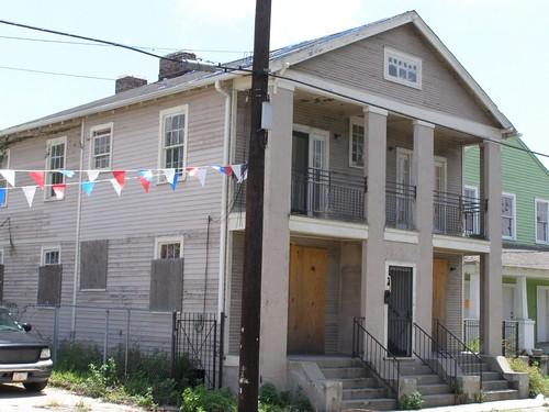 2912 LaSalle St.