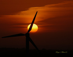 Sunset in May (Roger's Photos59) Tags: nature cornwall creative sunsets windmills moment windturbines thegalaxy creativemoment rogersphotos59 mygearandmepremium