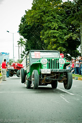 Jeeps like Toys to play - yipao (www.julkastro.co) Tags: world costumes records detail art coffee fun cafe colombia jeep 4x4 south culture folklore kitsch parade guinness professional celebration event armenia evento pro sur tradition andino cultura journalism willys m38 tradicion risaralda quindio cj2a colot artesano folclor ejecafetero julkastro yipao juliancastro jeepparade colombiacoffeeregion wwwjulkastroco julkastrohotmailcom