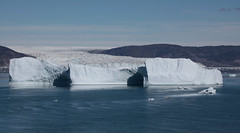 eqip sermia (Vida Morkunas (seawallrunner)) Tags: cruise glacier iceberg calving hurtigruten cwall isberg westgreenland eqipsermia july2010 vestgronland westerngreenland ataleoftwoicelands