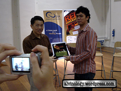 Ding An gets prize