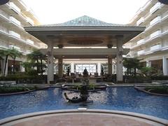 The lobby of the Grand Wailea. (07/04/07)
