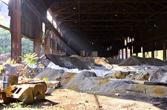 Rays Of Light (Sean  Posey) Tags: ohio rot mill abandoned industry architecture neglect rust decay steel postindustrial youngstown blackmonday endofindustry wastelandwarrior