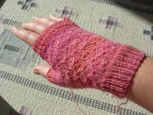 Handpun merino fingerless glove