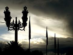 Shadows of Mexico (Pepe15) Tags: sunset clouds mexico nubes banderademexico farol puebla ocaso babel barriodeanalco mexicanflags pepe15 flickrpuebla puentedeovando ovandobridge