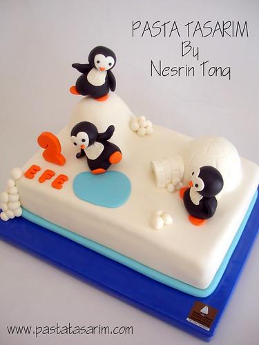 PENGUIN 2ND BIRTHDAY CAKE
