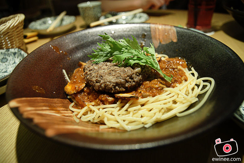 DINNER-PASTA-ZANMAI-PYRAMID-burger-