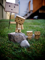 079/365:  We Claim This Backyard As Danbo Land! (Randy Santa-Ana) Tags: summer nature toys danbo gf1 project365 danboard minidanboard minidanbo 365daysofdanbo danboland