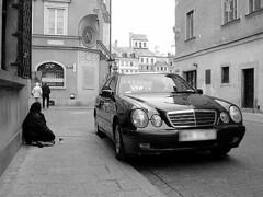 Bo to Polska, nie elegancja Francja... (Michał Dubrawski) Tags: poverty contrast poland warsaw differences wealth stratification marczuk
