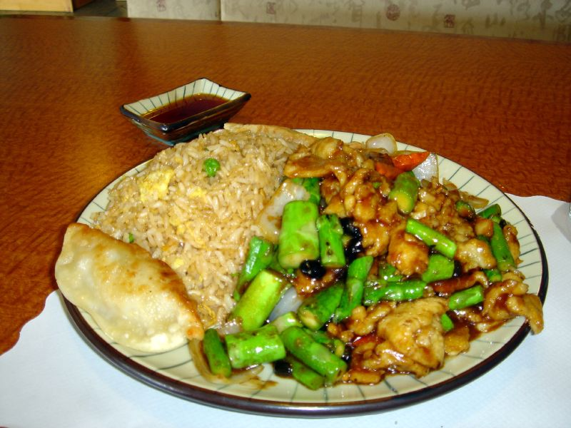 Chicken with asaragus in black bean sauce