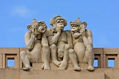 Three Wise Monkeys (Leo Reynolds) Tags: scoutleol30 monkey leol30random canonef70300mmf456isusm canon40d norwichart publicartnorwich publicart scoutleol30set canon eos 40d 0003sec f8 iso100 250mm 0ev xepx xexflx xexplorex xscoutx groupnorwich xleol30x xxartxx sculpture xxplorstatsx groupeffectedcameras hpexif xratio3x2x xx2007xx