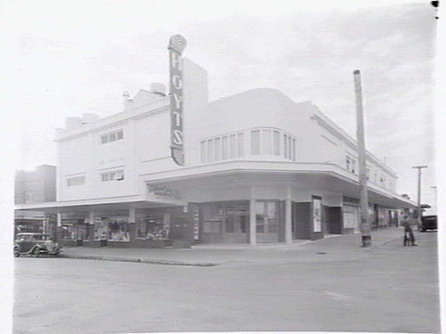 Former_Bentleigh_Hoyts_Cinemas