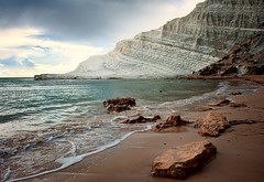 Scala Dei Turchi (Philipp Klinger Photography) Tags: travel italien blue light sea vacation sky italy sun mer white holiday green beach nature water lines rock clouds stairs coast mar chalk rocks meer stair mediterranean italia mare waves bright south formation foam layer scala sicily layers lanscape dei sicilia mediterraneansea agrigento sizilien turchi portoempedocle realmonte scaladeiturchi