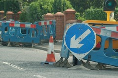 dsc_9001.jpg (StubbsUK) Tags: red sign trafficlight roadworks