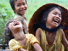 - Ting ci - A good laugh is sunshine in a house. (Hao Dinh) Tags: smile kids portraits vietnamese dramatic vietnam gialai dramaticportraits lplocals bestofvietbestphoto