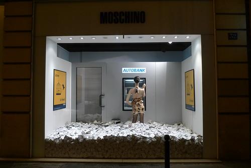 Vitrine Moschino - Paris, juin 2010