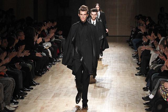 Gabriel Gronvik3109_SS11_Tokyo_ato(Fashionsnap)