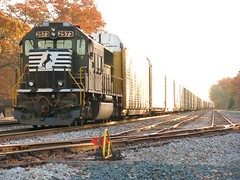 NS 2573 (codeeightythree) Tags: ns indiana hobart sd70 norfolksouthernrailroad