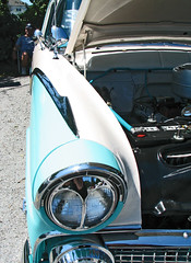 (cw3283) Tags: white cars chevrolet antique teal engine grill vehicles motor headlight antiquecars antiquecarshow highlightandshadow boothscorner