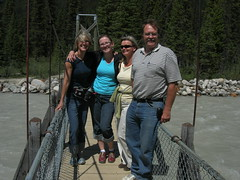 Michelle, Milena, Monika and Rocky (monkeys with tails) Tags: park friends mountains michelle alberta monika banff milena 2007
