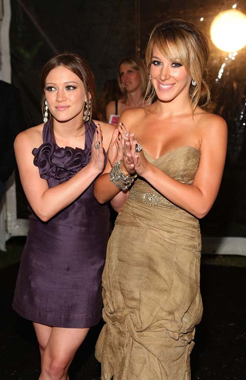 hilary-duff-much-love-gold-great-award-hilary-duff-encyclopedia-2