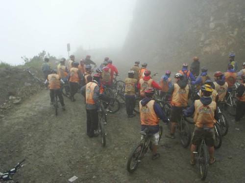 Neblina bicis Carretera de la Muerte Bolivia