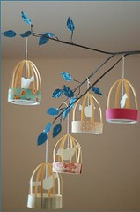 Decorao  e Reciclagem: Mobile Gaiolas de papel (Jessica Santin (Jehhhhh)) Tags: gaiola cage bird birds pssaro passarinho gaiolinhas artesanato artesanais craft paper papel mobile easy facil barato cheap home decoration decorating decorao reciclagem scrapbooking recycled recycling art arte