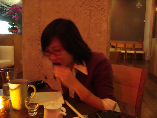 Conbon Eating Hand Roll