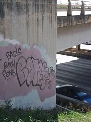BATLE, Honolulu, 2010 (HiZmiester) Tags: graffiti hawaii freeway honolulu streetsy pons batle 2much 663k