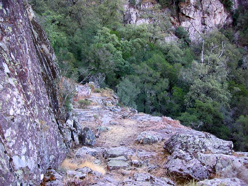 La 2ème vire de la trace cairnée de Tana di l'Orsu