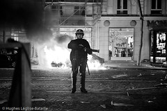 (Hughes Lglise-Bataille) Tags: paris france topf25 car fire israel riot palestine protest january gaz police voiture gas demonstration burning lance violence tear grenade janvier 2009 feu manif manifestation gaza launcher incendie crs hamas brule