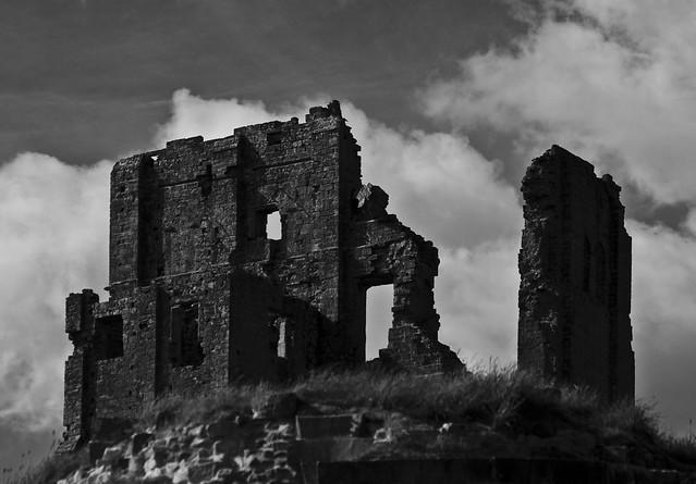 Corfe Castle - Copyright R.Weal 2009