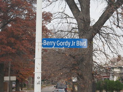 Berry Gordon Jr Blvd (kwatson0013) Tags: street music records sign museum studio michigan detroit rb steviewonder thetemptations motownrecords jackson5 thefourtops barrygordy wgrandblvd hitsvilleusa berrygordonjrblvd