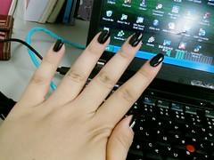 black-nail