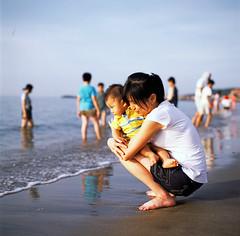 azure's fisrt time on the beach