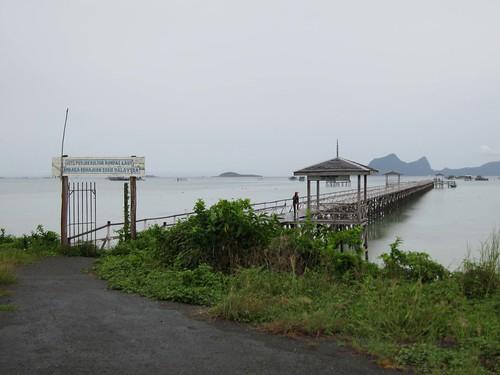 Pulau Bum Bum seaweed jetty