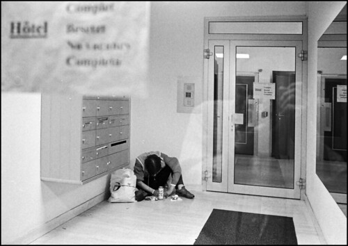 No vacancy  (Leica Summilux 35mm Tmax400-bw-p) / Paolo Viviani