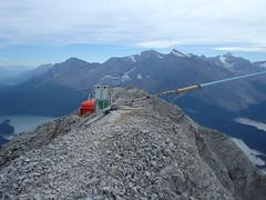 Antenna down (Dave MacDonald) Tags: rockymountains scramble peterlougheedprovincialpark mtindefatigable kananaskislakes